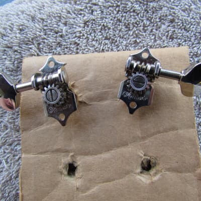 Martin Grover G-93 Style Repro Tuners 1 Treble Side 1 Bass Side Martin Tuners Fits D-28V & Others