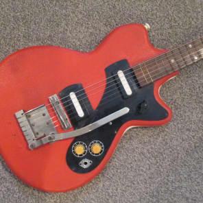 Klira Triumphator sixties red vinyl for sale