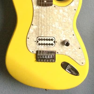 Fender Tom Delonge Artist Series Signature Stratocaster 2002 - 2003 Graffiti Yellow for sale