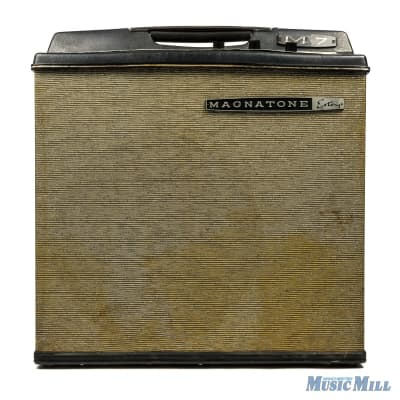 Magnatone 60s Vintage M7 Combo Amplifier (USED)
