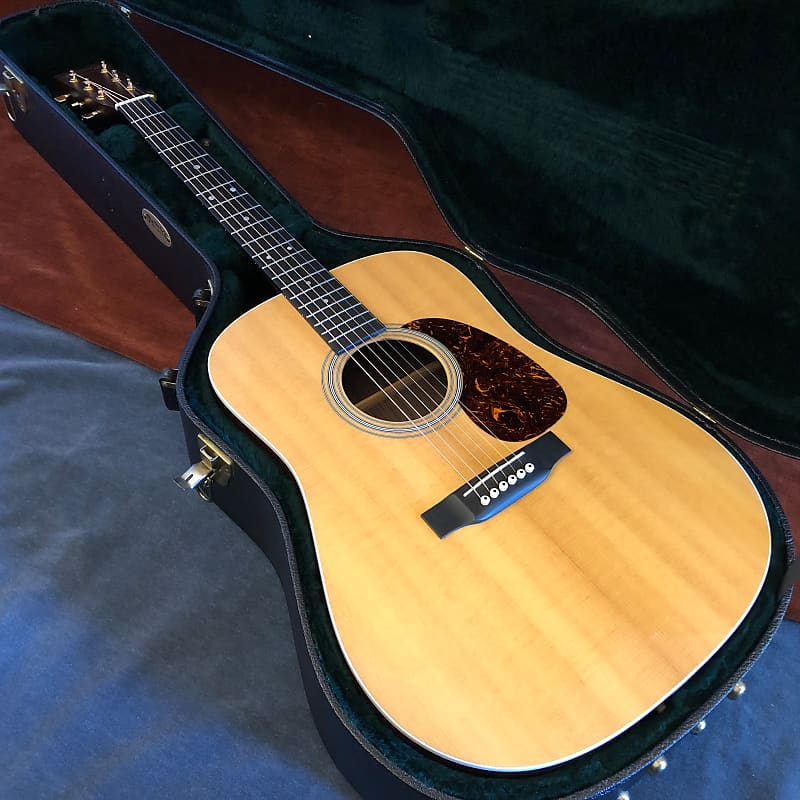 Martin Custom MMV Dreadnought Acoustic Guitar Natural 2013 w/ OHSC