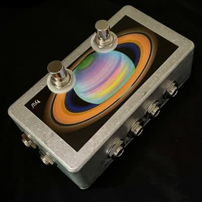 Saturnworks True Bypass Stereo Looper Pedal with Latching + Momentary Loop Switches, Crafted in CA