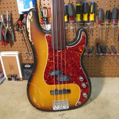 Fender Precision Fretless 1971 Sunburst