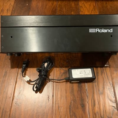 Roland SYR-E84 Powered Eurorack case