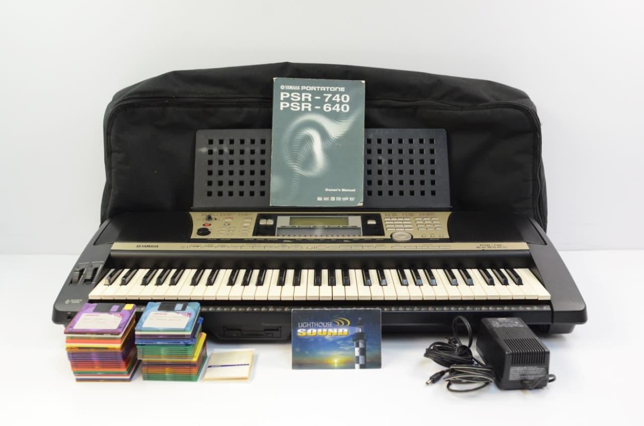 yamaha psr 740 arranger workstation keyboard w gig bag. Black Bedroom Furniture Sets. Home Design Ideas