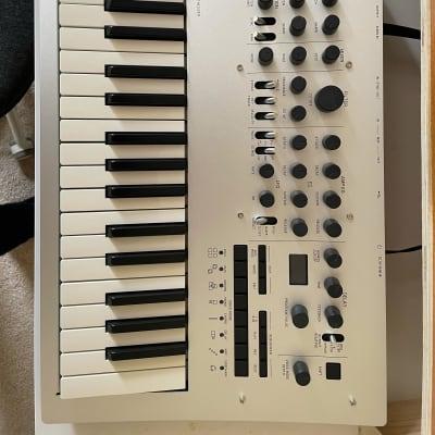 Korg Minilogue 4-voice Analog Polyphonic Synthesizer