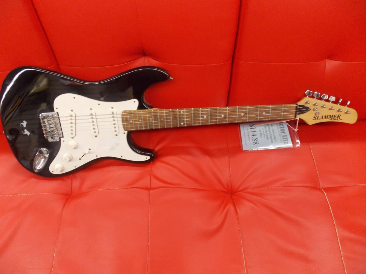 """black singles in hamer Find great deals on ebay for hamer in electric guitar shop with confidence skip to main content  set in three piece maple neck 24-3/4"""" scale with 24 fret rosewood fingerboard rare."""