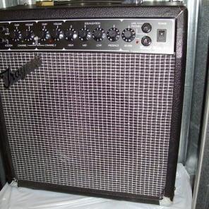"Traynor TRM30 Reverb Mate 30 30-Watt 1x10"" Guitar Combo"