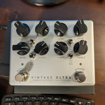 Darkglass Vintage Ultra V2 w/ Aux-In Pre-Amp EQ Distortion Bass Effects Pedal