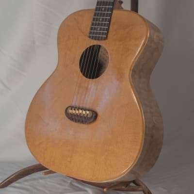 Portland Guitar Luthier Beveled Edge Short Jumbo Torrefied Bearclaw Sitka Spruce with Curly Maple for sale
