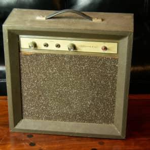 Silvertone Model 1420 5XL 5-Watt 1x8 Guitar Combo