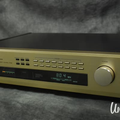 Accuphase T-108 FM Stereo Tuner in Excellent Condition