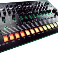 Roland AIRA TR-8 Rhythm Performer w/Bonus Dunlop PVP101 Variety Pick-Pack (x12) 00761294504826