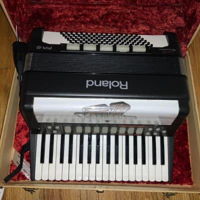 Roland FR-2 MIDI Accordion
