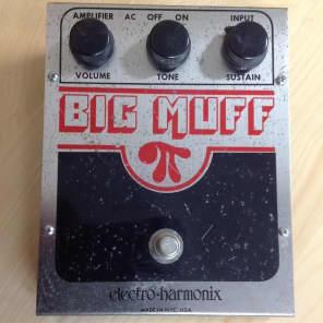 Electro-Harmonix Big Muff Pi V3 (Red & Black)