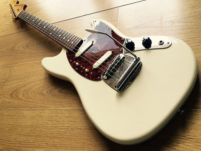 Fender Grunge-Era Mustang Olympic White 1965 Reissue MIJ