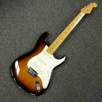 Used Fender American Deluxe Stratocaster Electric Guitar Sunburst for sale