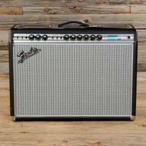 "Fender '68 Custom Vibrolux Reverb-Amp 2-Channel 35-Watt 2x10"" Guitar Combo"