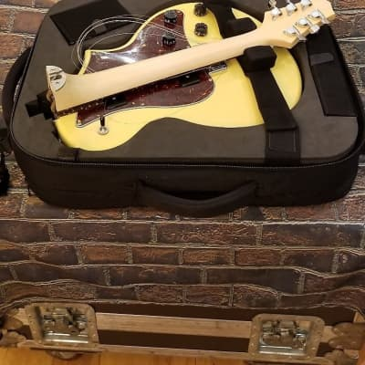 Voyage-Air Bel-Air TV Yellow Travel Guitar for sale