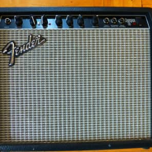 "Fender Champion 110 2-Channel 25-Watt 1x10"" Solid State Guitar Combo 1993 - 1999"