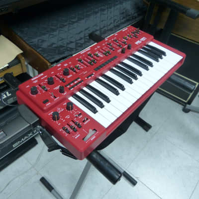 Behringer MS-101 Analog Synthesizer 2019 Red