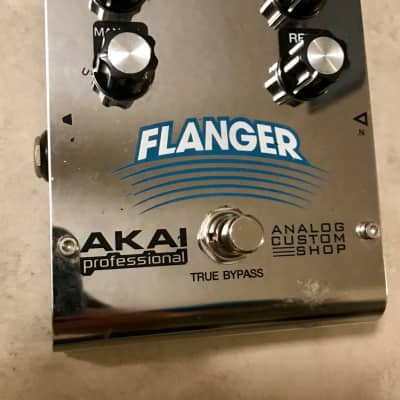 Akai Professional Analog Flanger  guitar effects fx pedal for sale