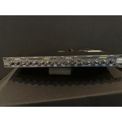 dbx 1066 Dual-Channel Compressor / Limiter / Gate