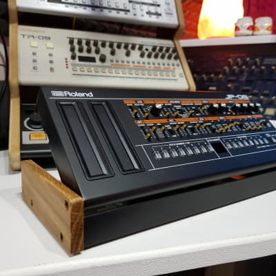 Roland DK01 Solid Oak End Cheeks from Synths And Wood