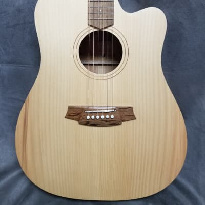 Cole Clark FL1EC-BM Bunya top with Queensland Maple back and sides
