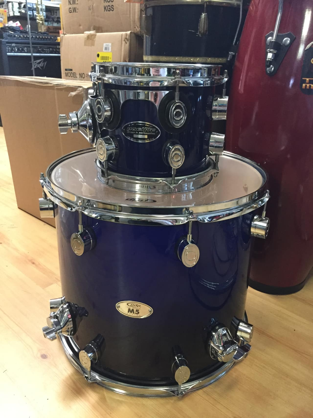 Pdp 16 x 14 m5 floor tom blue to black fadeand reverb for 16 x 14 floor tom