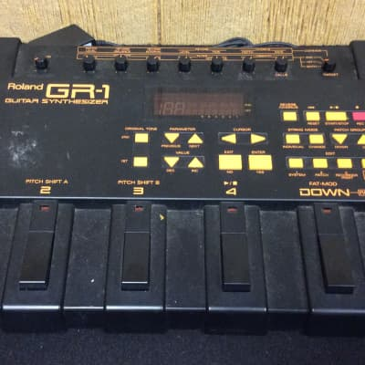 Roland GR-1 Guitar Synthesizer