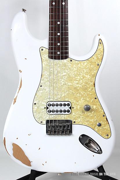 Fender Tom Delonge Stratocaster White Relic Rare Squier