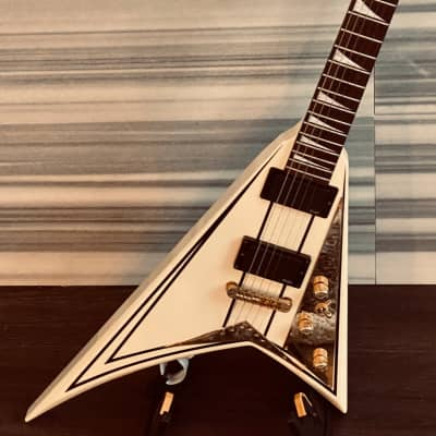 1990 Jackson RRT-5 Randy Rhoads String Thru Set Neck V in White with Pinstripes with case for sale