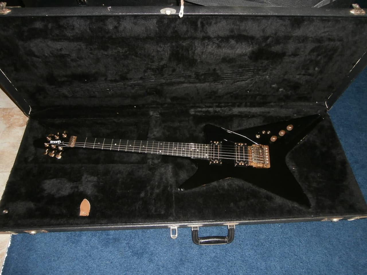 vintage 1980 39 s carvin v220 electric guitar w original reverb. Black Bedroom Furniture Sets. Home Design Ideas