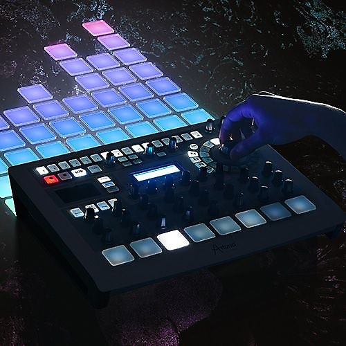 arturia spark creative drum machine with software maschine reverb. Black Bedroom Furniture Sets. Home Design Ideas