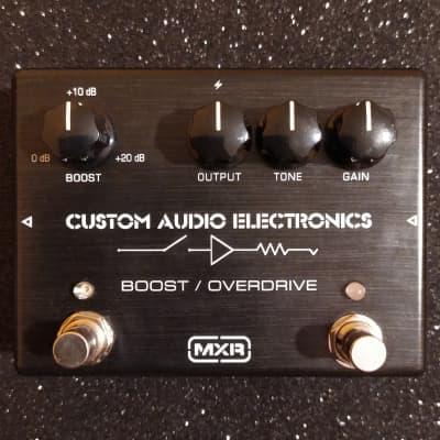 MXR MC402 Boost/Overdrive w/box, manual & catalogs