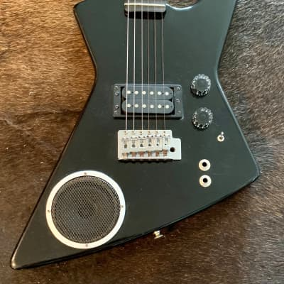 Synsonics by Gretsch Explorer Black with built in speaker and amp for sale