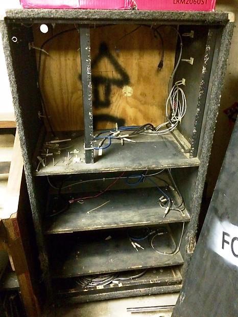 custom guitar rack w 2 shelves for amp heads 1 for pdlbrd reverb. Black Bedroom Furniture Sets. Home Design Ideas