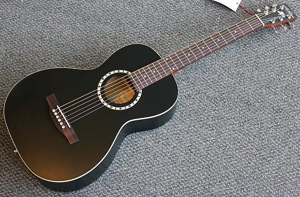 Art & Lutherie Ami Parlor Acoustic Guitar w/ Gig Bag Professionally Setup