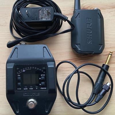 Shure GLXD16 Guitar Pedal Wireless System
