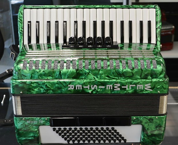 Weltmeister Achat 72 Bass Accordian Green