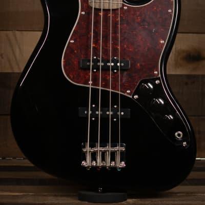 Squier Classic Vibe '60s Jazz Bass®, Laurel Fingerboard, Black