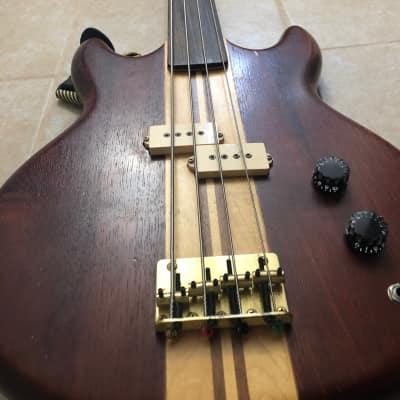 Vantage VS695B Fretless Bass for sale