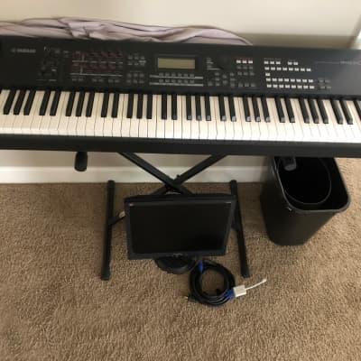 Yamaha MOXF8 88-Key Synthesizer Workstation