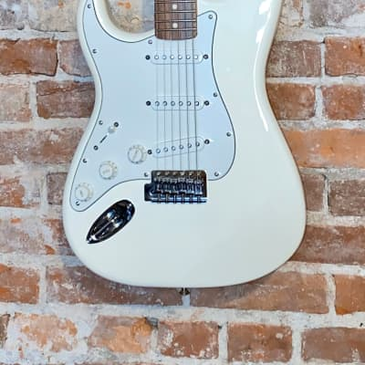 Fender Standard Stratocaster Left-Handed 2009 Vintage White for sale