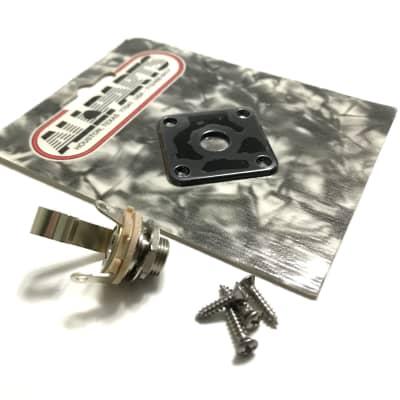 Les Paul Style Jackplate & Jack Kit Black Plastic