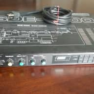 Roland SDE-1000 Digital Delay (rack mount)