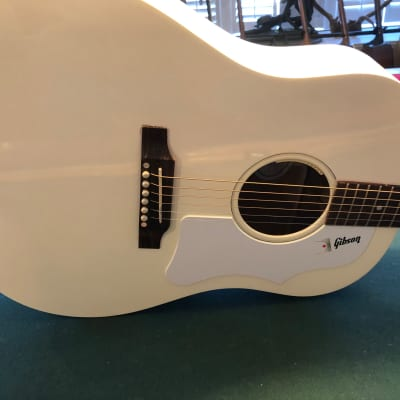Gibson J-45 Standard 2016 Arctic White Very Rare! for sale