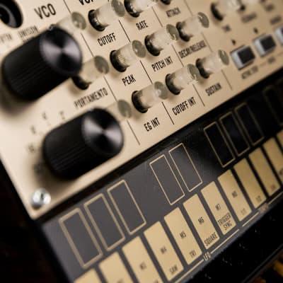 Korg volca keys Analogue Loop Synthesizer - Free Shipping