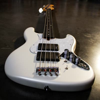 Enfield  Avenger Jazz Bass 2019 White pearl for sale